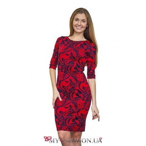 Нежное платье с цветочным орнаментом