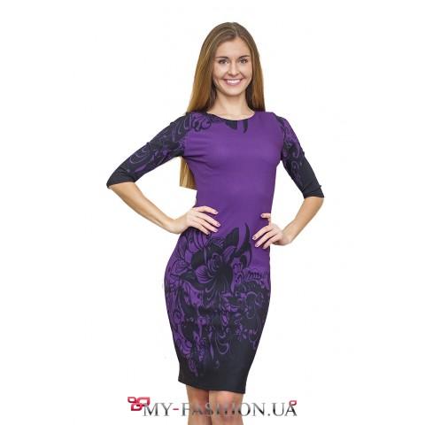 Фиолетовое платье в офисном стиле