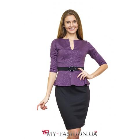 Комбинированное платье, подчеркивающее силуэт