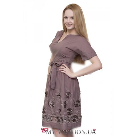 Стильное платье из натурального хлопка коричневого цвета
