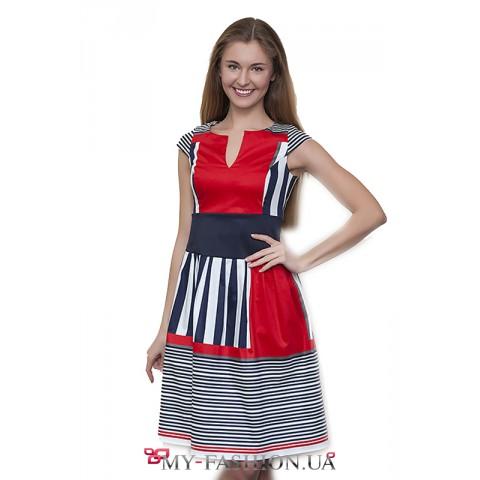 Комбинированное красное платье с полосками