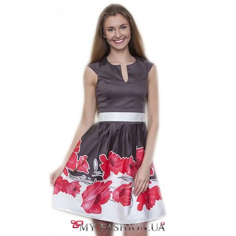 Женственное платье с оригинальным изображением маков