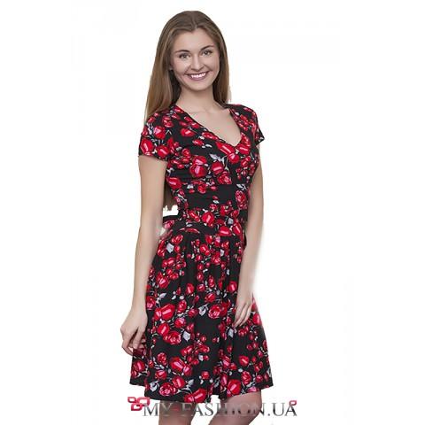 Красивое льняное чёрное платье с розами