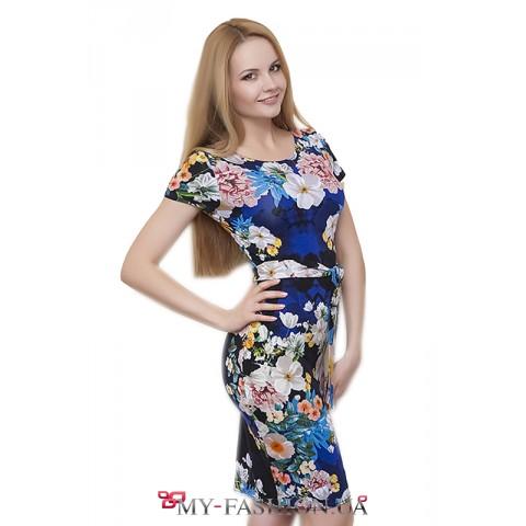 Привлекательное платье с цветочным принтом