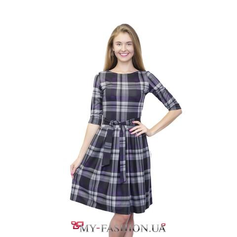 Клетчатое сиреневое платье с юбкой в складку
