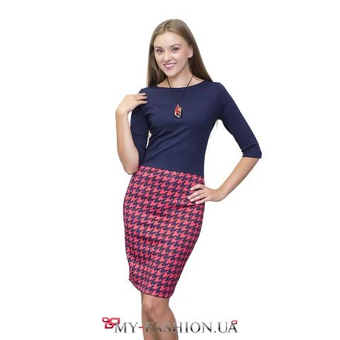 Комбинированное платье-футляр с коралловой юбкой