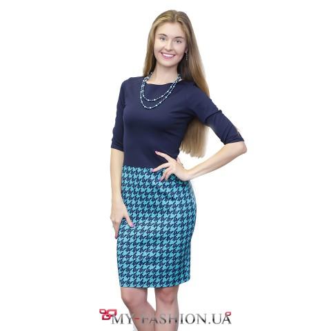 Комбинированное платье-футляр с бирюзовой юбкой