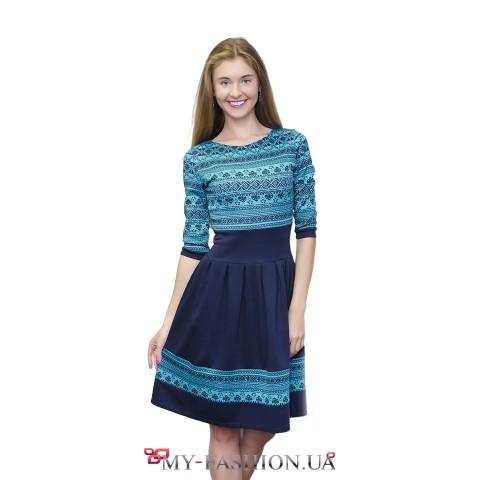 Универсальное платье с бирюзовым орнаментом