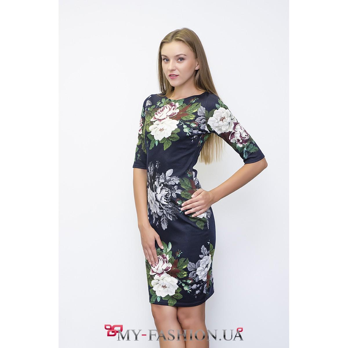 Платье футляр в розы чтобы