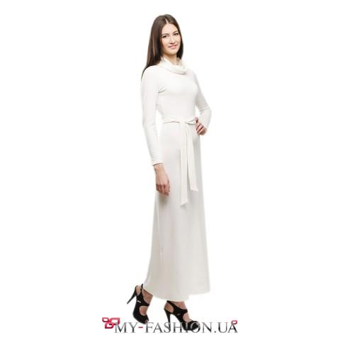 Тёплое белое платье в пол с воротником-хомутом
