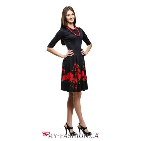 Чёрное платье с пышной юбкой с принтом