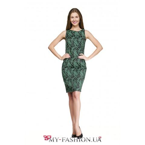 Платье-футляр чёрно-зелёной расцветки