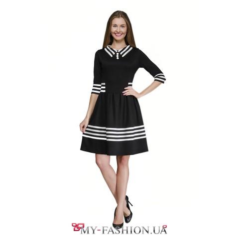Платье для офиса с воротником в полоску