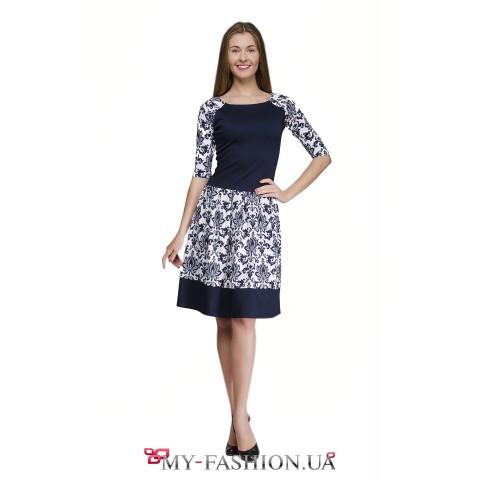 Офисное платье с приятным цветочным принтом