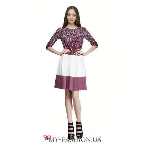 Разноцветное платье с расклешённой юбкой