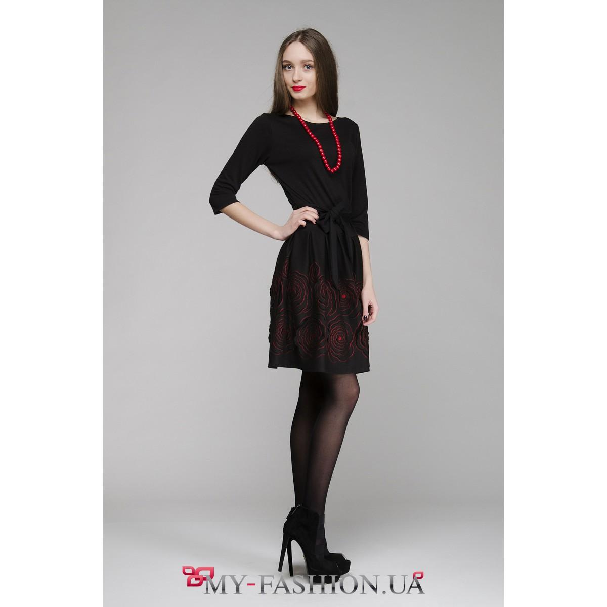 Купить черное платье с красными цветами