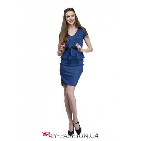 Приталенное деловое платье синего цвета