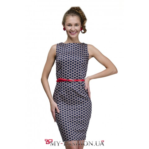 Платье-футляр с геометрическим узором