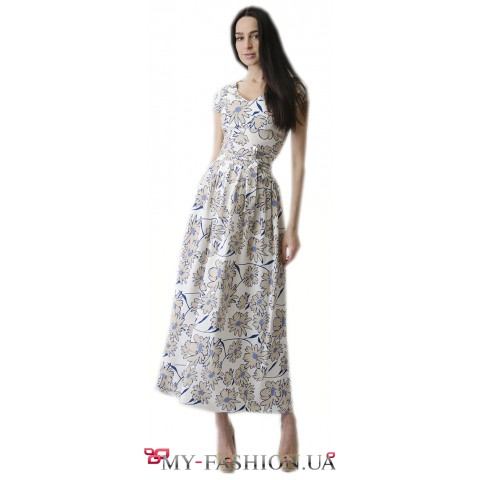 Светлое льняное платье с цветочным принтом