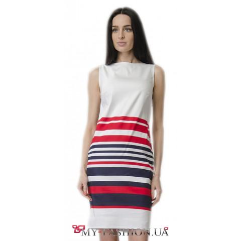 Платье приталенного силуэта в полоску