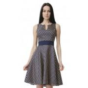 Женственное платье в мелкий горошек