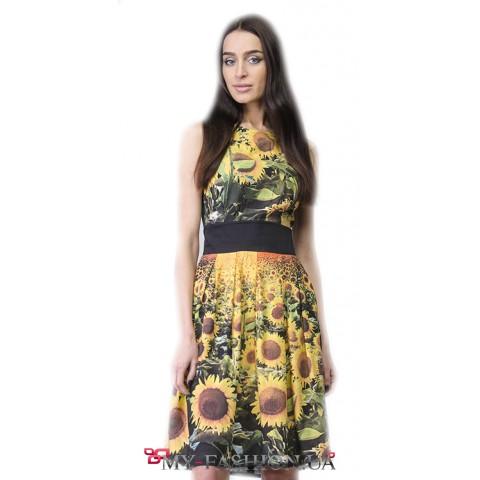 Летнее платье с расклешённой юбкой с принтом