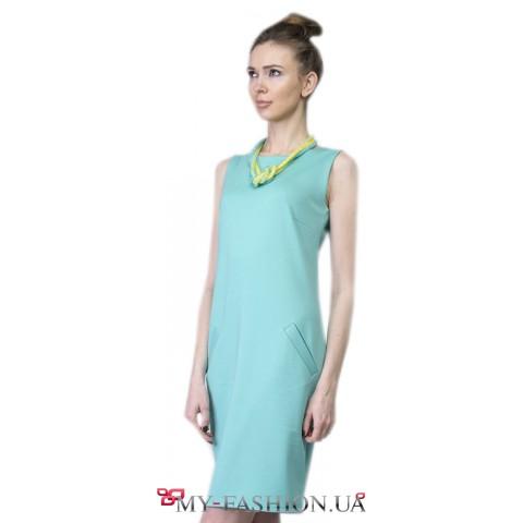 Привлекательное строгое платье мятного цвета