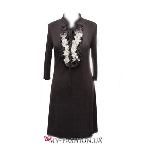 Модное платье с большой аппликацией из шелка и кружева