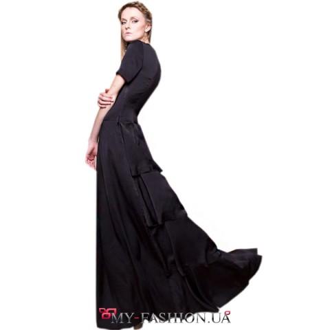 Черное дизайнерское платье из шелкового атласа с воланом
