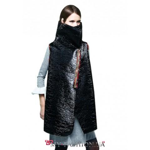 Теплый жилет из лаковой ткани с шерстяной изнанкой