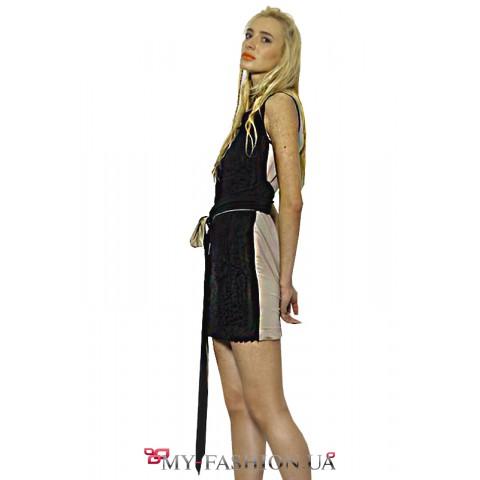Платье из чёрного трикотажа с бежевой спинкой
