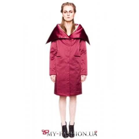 Оригинальное дутое пальто бордового цвета