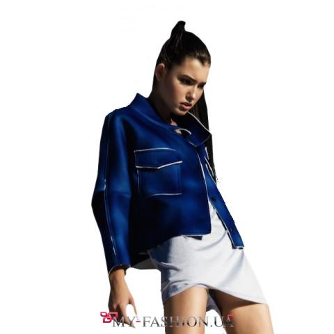 Джинсовая куртка с нашивками-стикерами