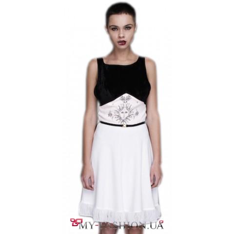 Черно-белое платье с открытой спиной