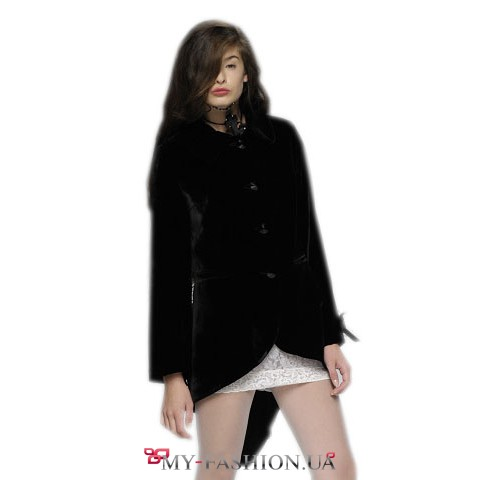 Восхитительный пиджак - фрак приталенного силуэта