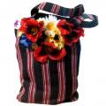 Сумка в национальном стиле с декором из цветов