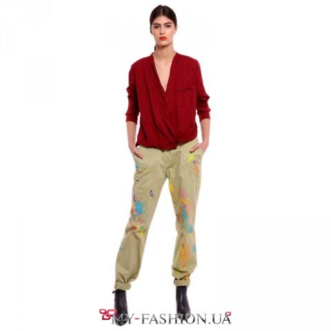 Женские брюки с дизайнерской росписью