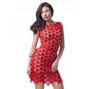 Очаровательное нарядное платье  красного цвета