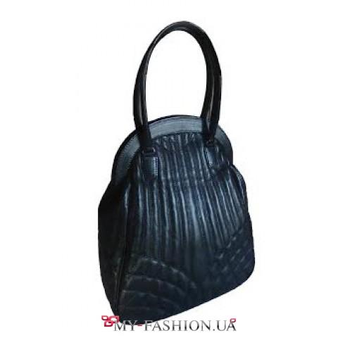 Вместительная кожаная сумка чёрного цвета