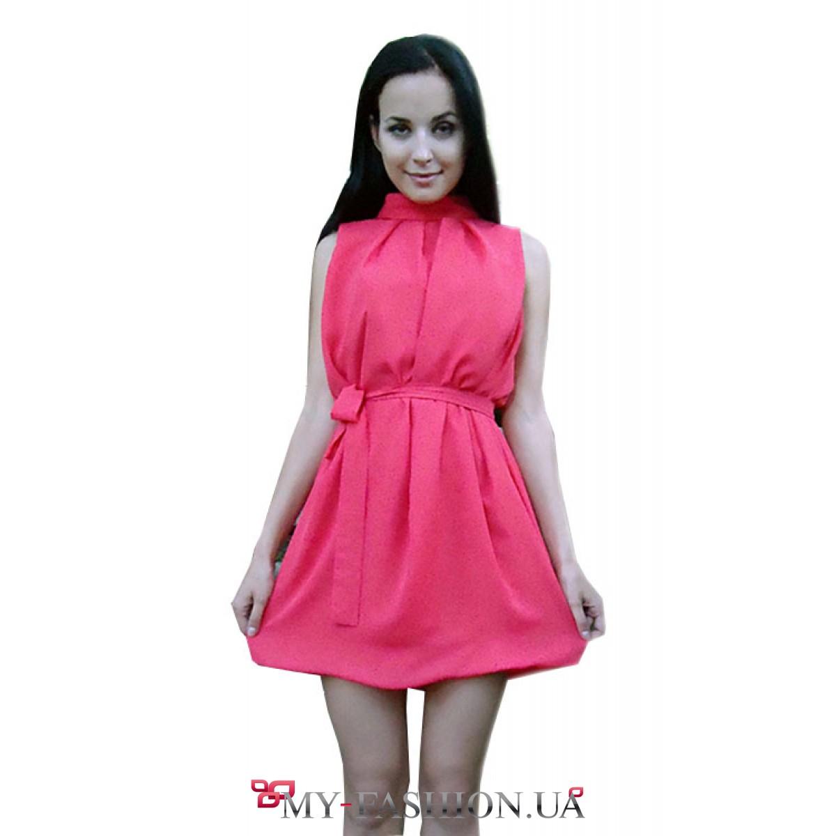 Красивое платье кораллового цвета