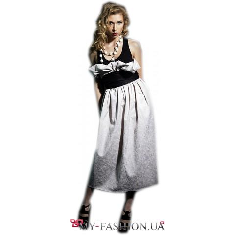Светлая юбка с завышенной талией