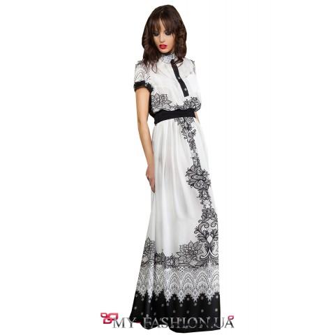 Красивое платье свободного силуэта с чёрным поясом