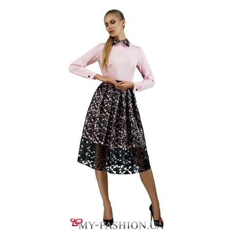 Платье средней длины с ажурной юбкой