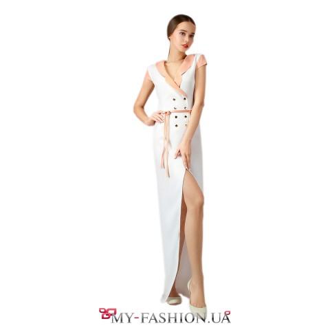 Белое платье максимальной длины на пуговицах