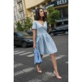 Голубое платье с короткой пышной юбкой