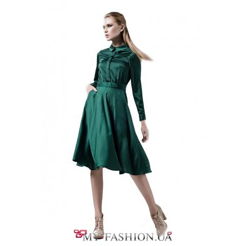 Красивое коктейльное платье средней длины