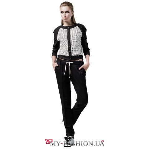 Женские брюки из чёрного трикотажного полотна
