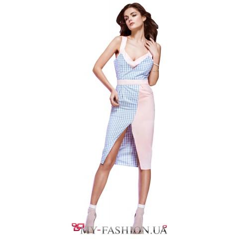 Контрастное платье средней длины