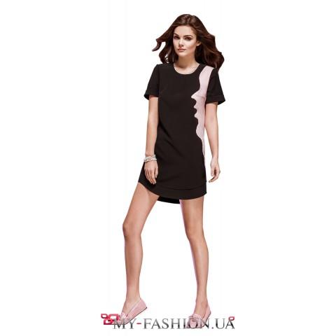 Асимметричное платье с контрастной вставкой