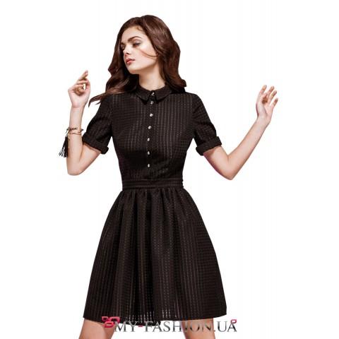 Короткое платье-рубашка из перфорированного полотна